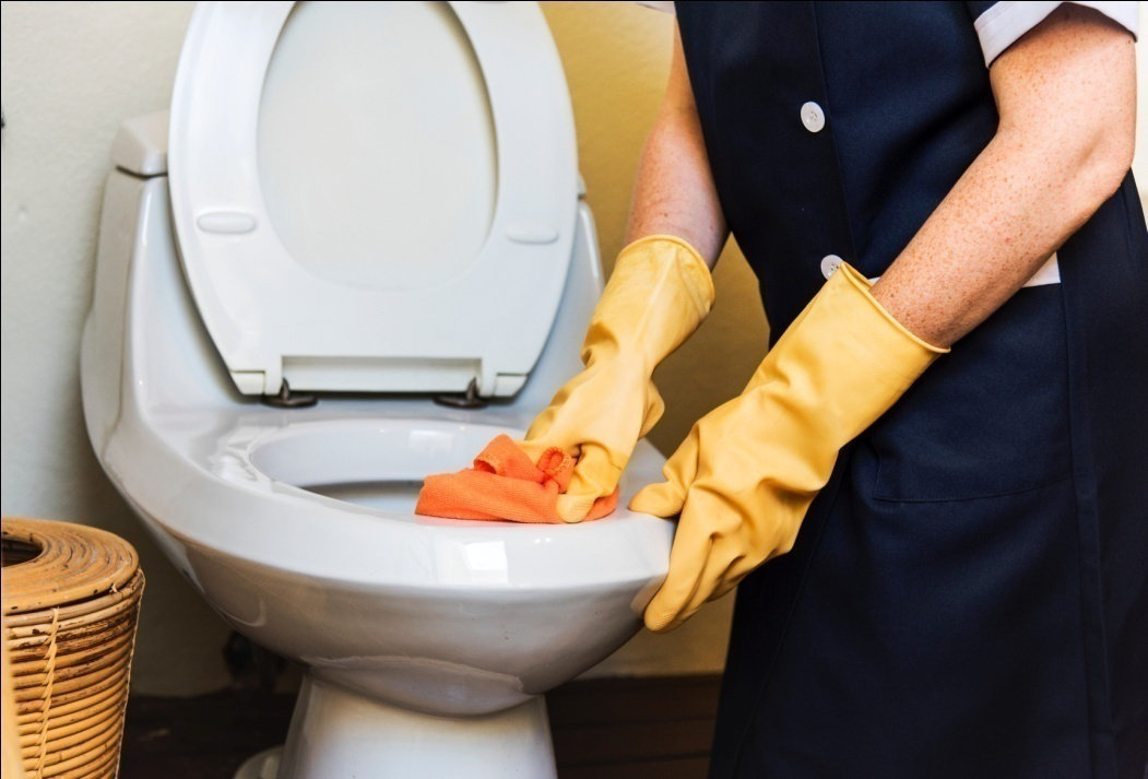 4 Secrets to Hiring a House Cleaning Service!