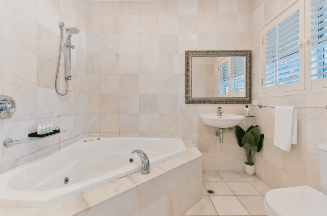 3 Reasons Never to Clean Your Tile Grout Yourself